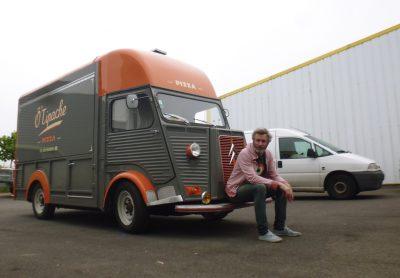 Lettrages peints pour un food-truck